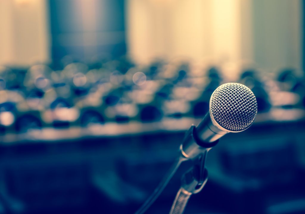 How to introduce a speaker — the art of giving (and
